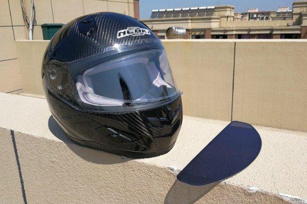 Photochromic visor insert